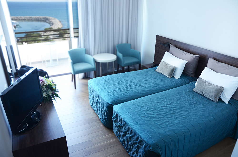 Twin-Room-Sea-View-004