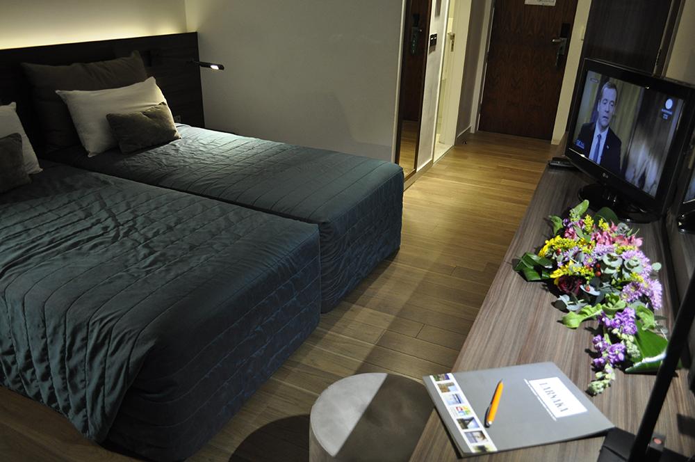 Twin-Room-Sea-View-011